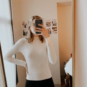 H&M: White ribbed turtle neck